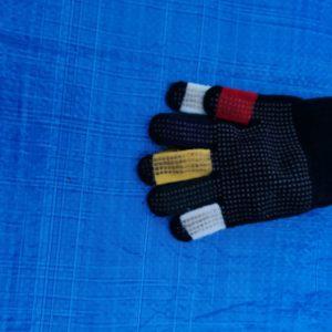 gekleurde kinderhandschoentjes