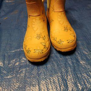 schoen laarzen geel met bloemetjes